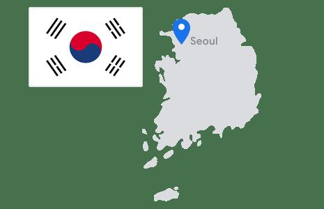 태극기와 함께 핀으로 서울이 표시된 대한민국 지도