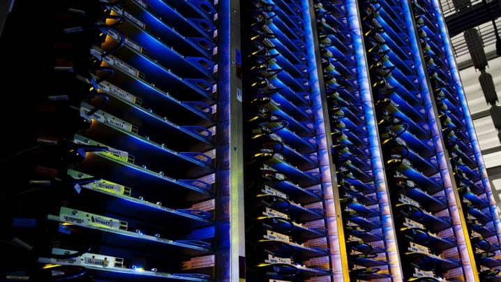 Data centre rack cabinet