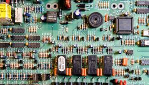 Imagem de uma placa de circuitos para representar o machine learning