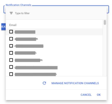 「更新」ボタンと「チャネルを管理する」ボタンを表示する通知ダイアログ。