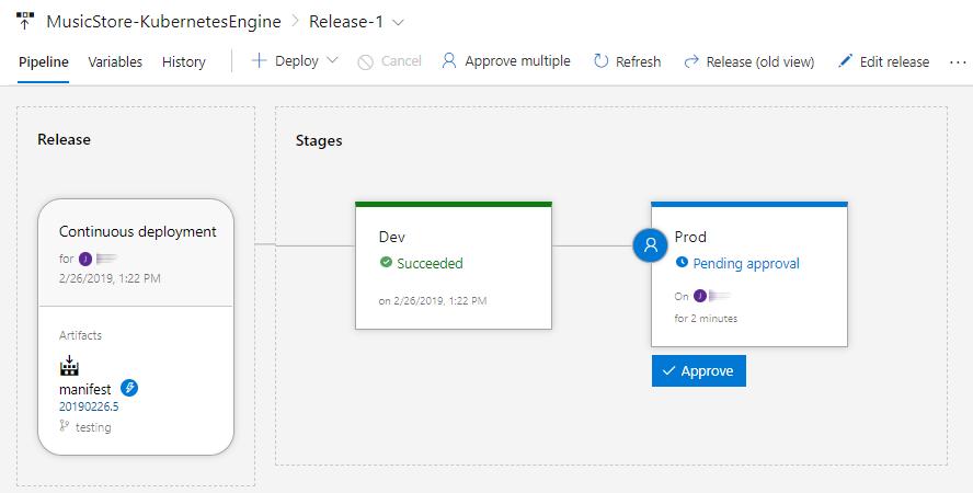 "显示版本页面和消息""A pre-deployment approval is pending ... Approve or Reject""的屏幕截图"